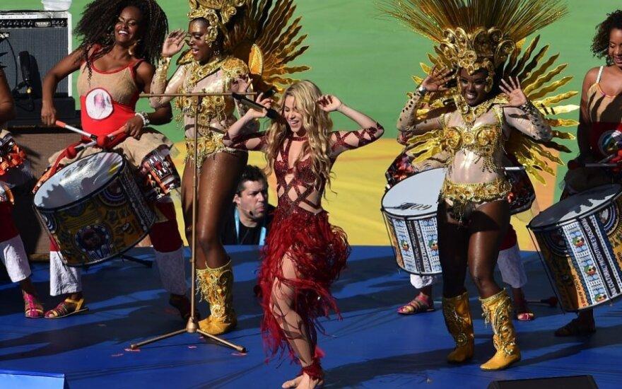Seksualioji Shakira pasaulio čempionato estafetę perdavė Rusijai