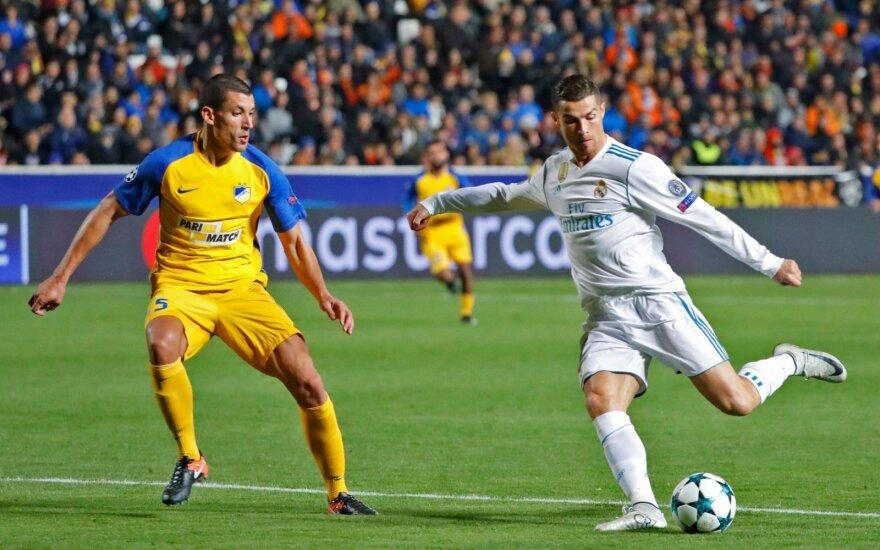 """APOEL ir Madrido """"Real"""" akistata, dešinėje - Cristiano Ronaldo"""