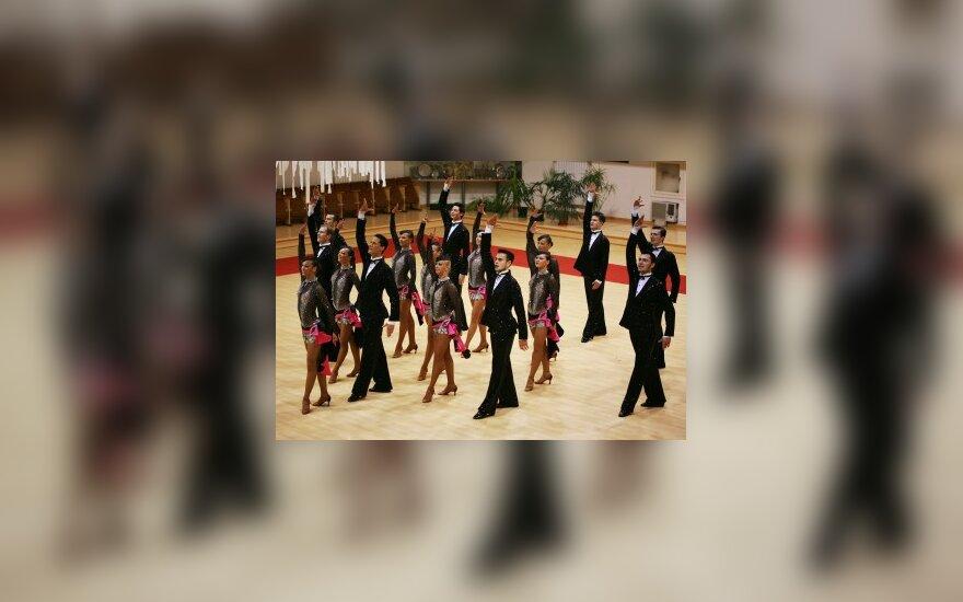 """""""Žuvėdra"""" susigrąžino Lotynų Amerikos šokių ansamblių pasaulio čempionės titulą"""