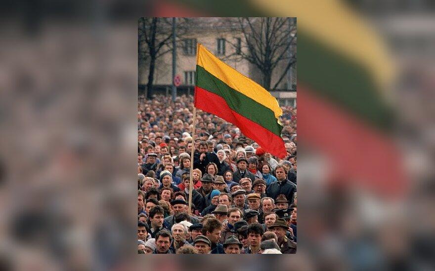 Lietuva, trispalvė, lietuviai