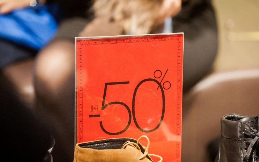 Prekybininkų triukai: sąmoningai parduoda brangiau, o jūs dėl to džiaugiatės