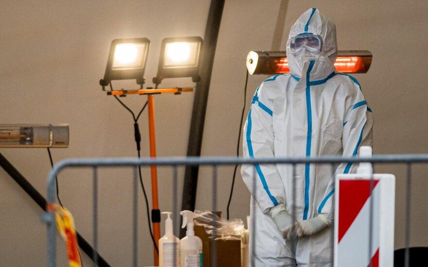 Visi rodikliai rodo – pandemija Lietuvoje neslopsta: jei taip ir toliau, gali tekti kalbėti apie komendanto valandą