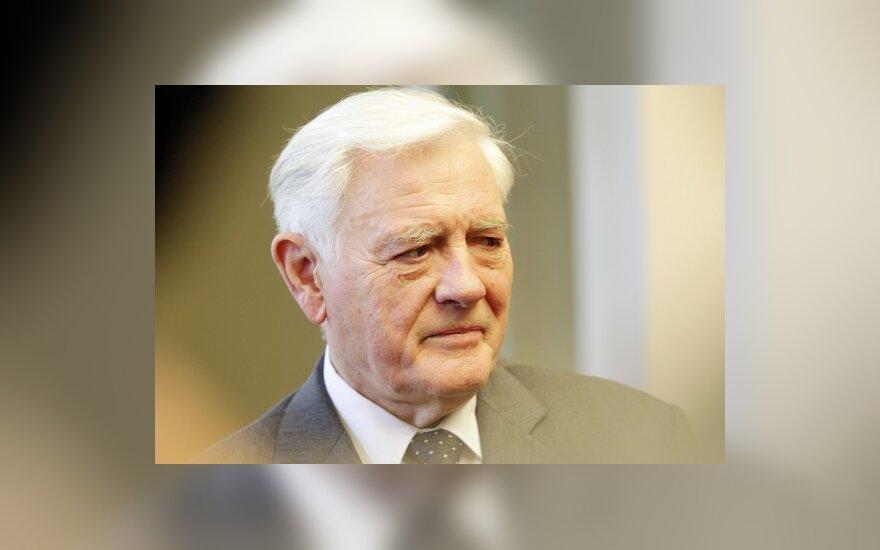 V.Adamkus: pakertame NATO partnerių pasitikėjimą Lietuva