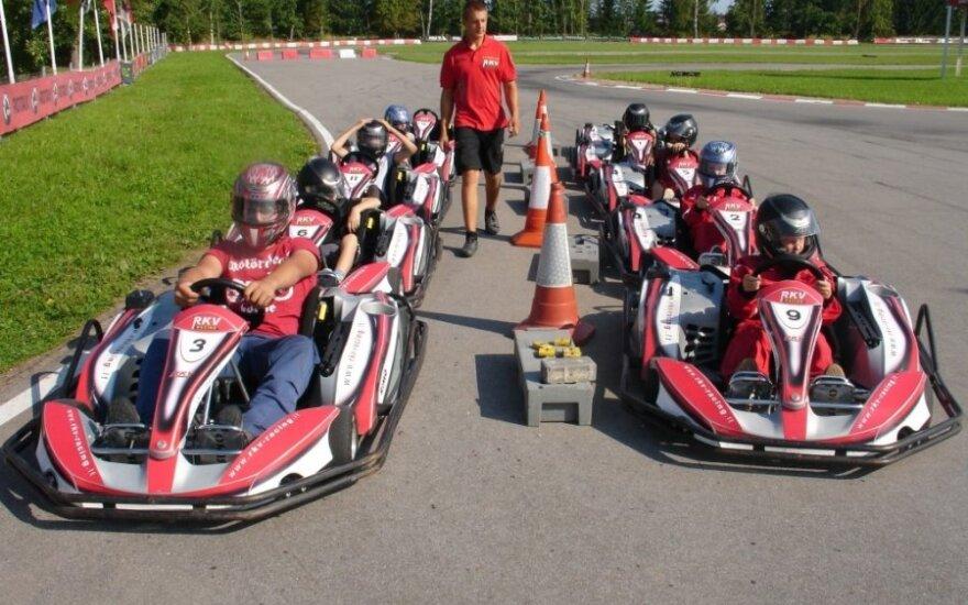Vaikų kartingo stovykla – norintiems pasijusti lenktynininkais