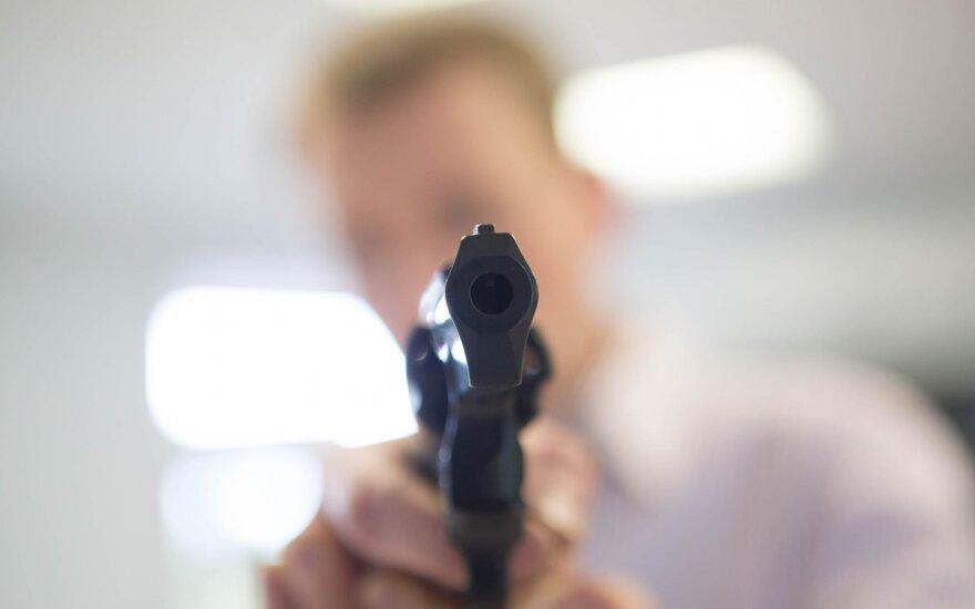 Trakuose vyras užpuolė vaiką: sumušė ir įrėmė ginklą į kaklą
