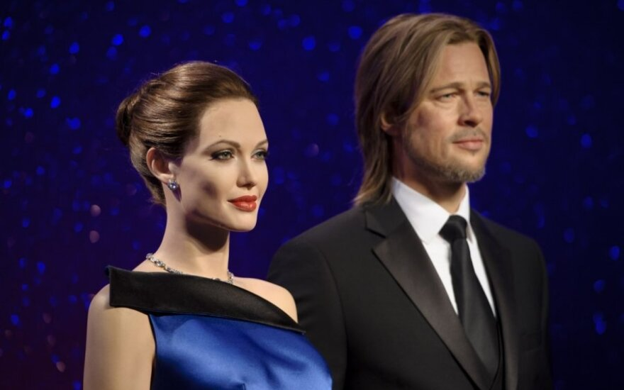 Brado Pitto ir Angelinos Jolie skulptūros