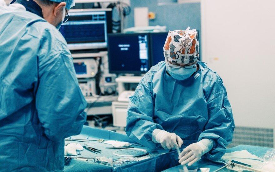 Juozo problemos prasidėjo nuo kojos skausmo ir nedidelės žaizdos: išgelbėjo pirmą kartą Lietuvoje atlikta operacija