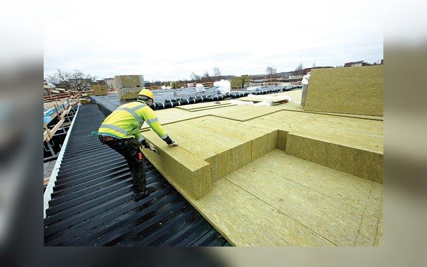 Atliekant daugiabučių renovaciją verta pakeisti ir stogą (asociatyvi nuotr.)