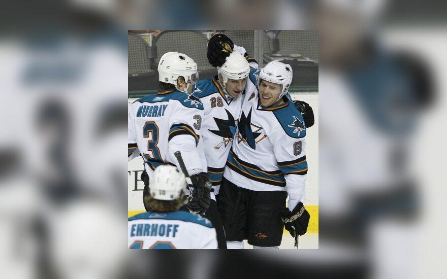 Absoliutus NHL pirmenybių lyderis iškovojo devynioliktąją pergalę