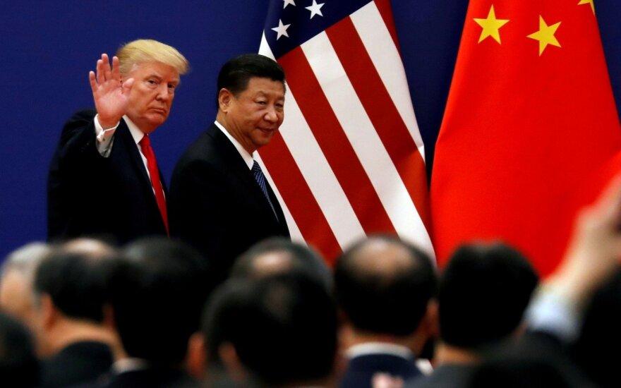 Prekybos karas atsinaujino: keli JAV ir Kinijos derybų rezultatų scenarijai