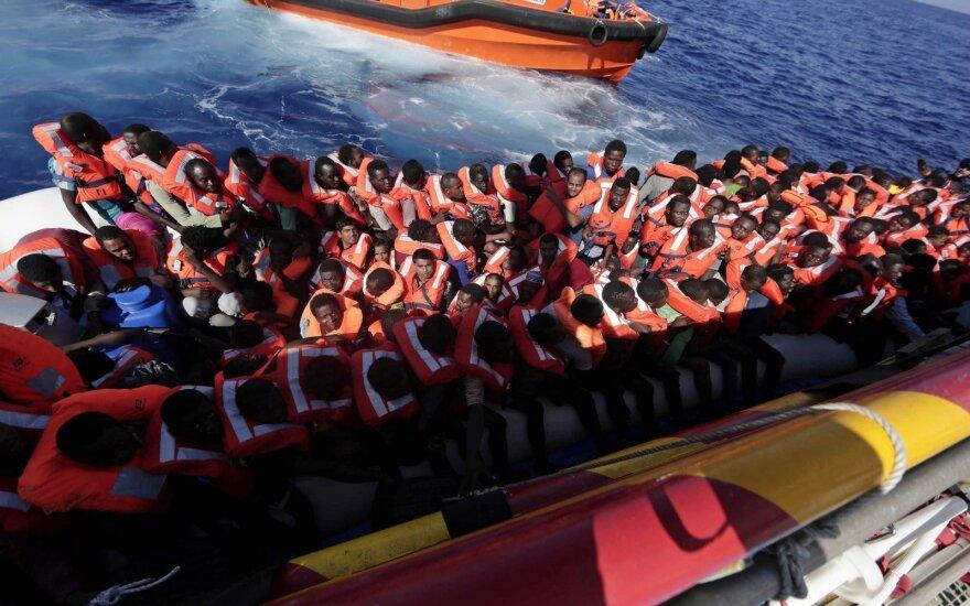 Į Graikijos salą atplaukę 17 turkų prašo politinio prieglobsčio