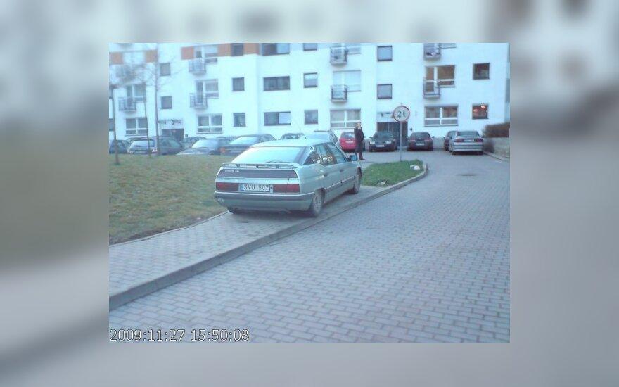 Vilniuje, S.Žukausko g. 34. 2009-11-27, 15.50 val.
