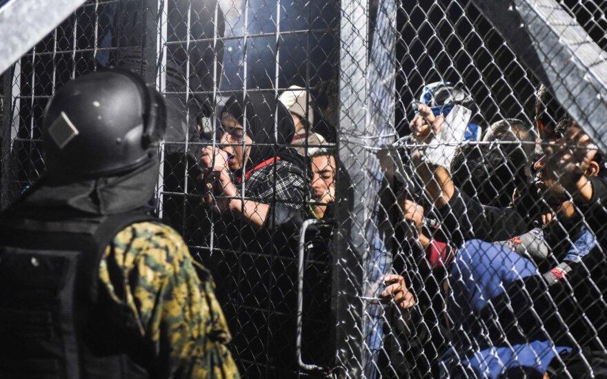 Graikijos pasienyje dėl pabėgėlių antplūdžio kilo chaosas
