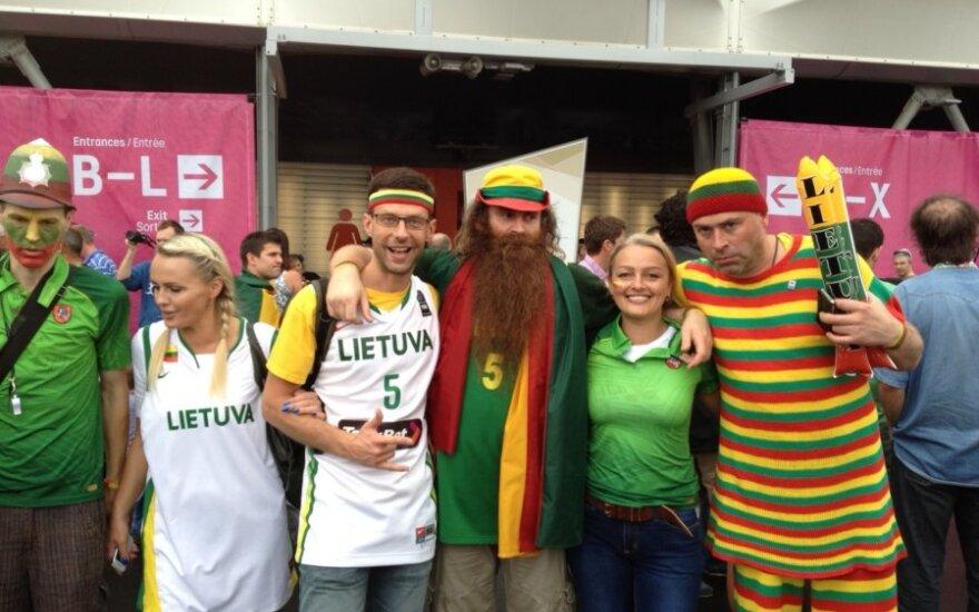 Lietuvos krepšinio rinktinės aistruoliai Londone