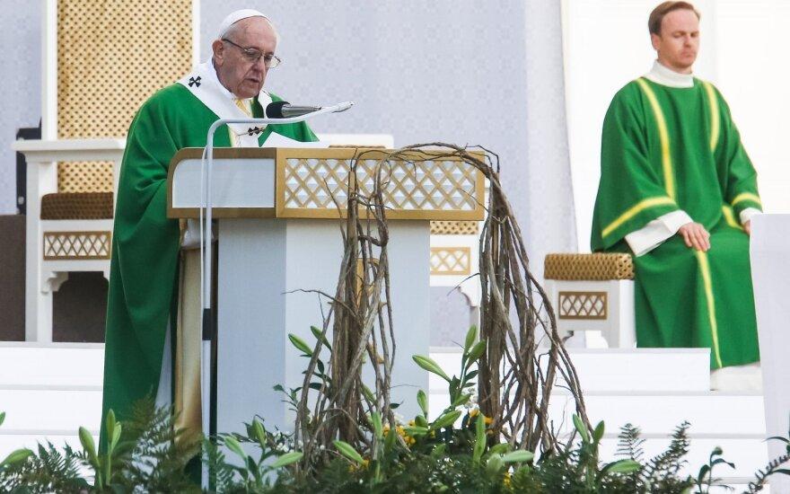 Netikėta priežastis, kodėl Kaune popiežius dėvėjo žalius drabužius