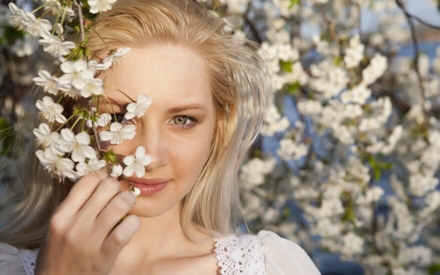 Kosmetologė pataria: apie jautrią veido ir akių srities odą