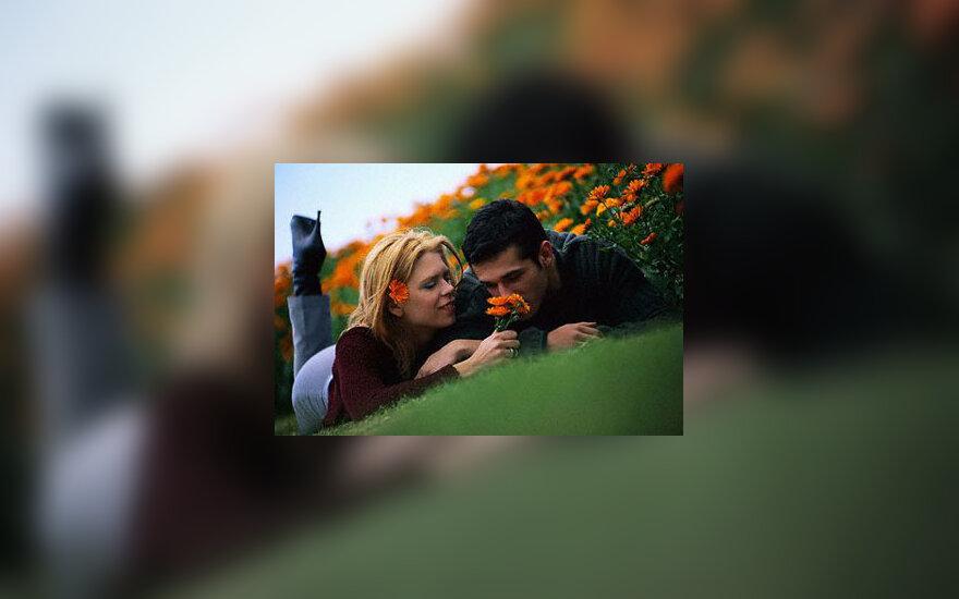 Pora, vyras ir moteris, uostyti, kvapas