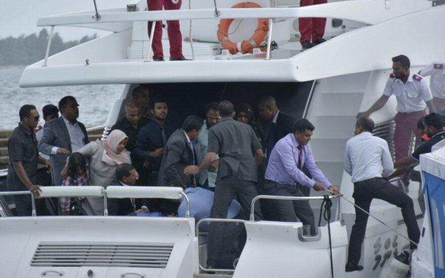 Laive, kuriuo keliavo Maldyvų prezidentas, nugriaudėjo sprogimas