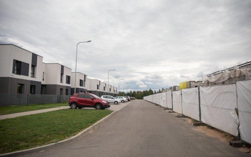 Antrosios grįžimo į miestą bangos nenumato: į ką atkreipti dėmesį renkantis namą naujame kvartale