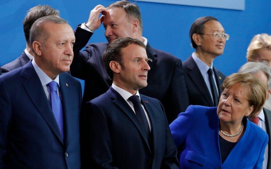 Recepas Tayyipas Erdoganas, Emmanuelis Macronas, Mike'as Pompeo, Angela Merkel