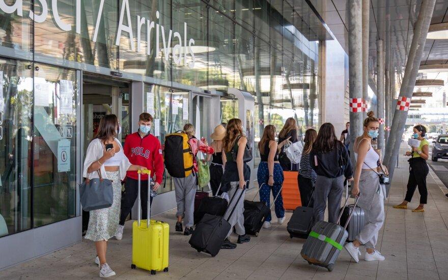 Gydytojos patarimai keliaujantiems, kol siaučia COVID-19 pandemija