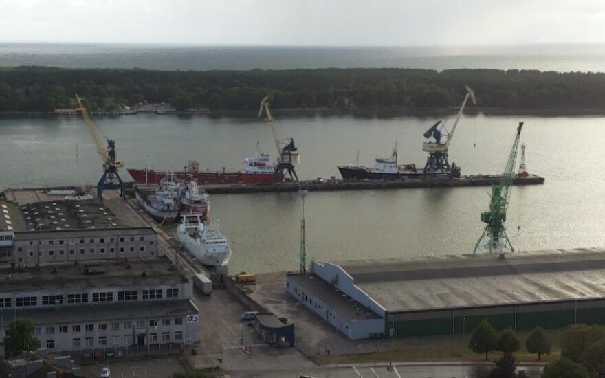 Ship with US heavy combat equipment arrives in Klaipėda