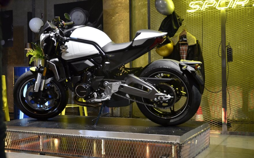 """""""CFMoto"""" rinkai siūlo tris naujus stilingus motociklus. Mariaus Eidukonio nuotr."""