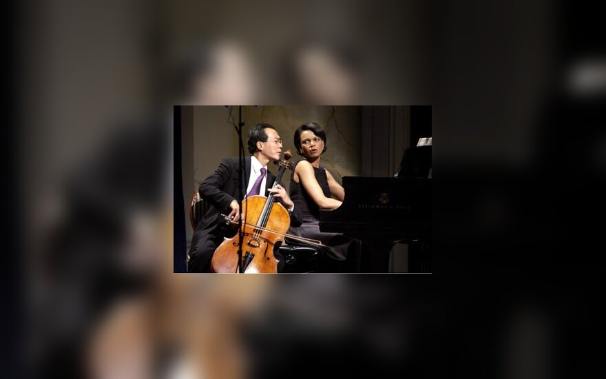 Condoleezza Rice su violončelininku Yo-Yo Ma