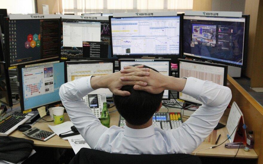 Nuotaikos pasaulio akcijų biržose išlieka stabilios, JAV švenčia Padėkos dieną