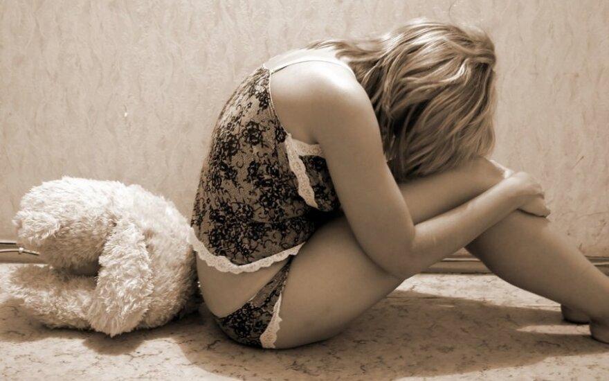 Kaip kūnas atspindi mūsų emocinę įtampą: stebuklingi amerikiečių psichiatro pratimai
