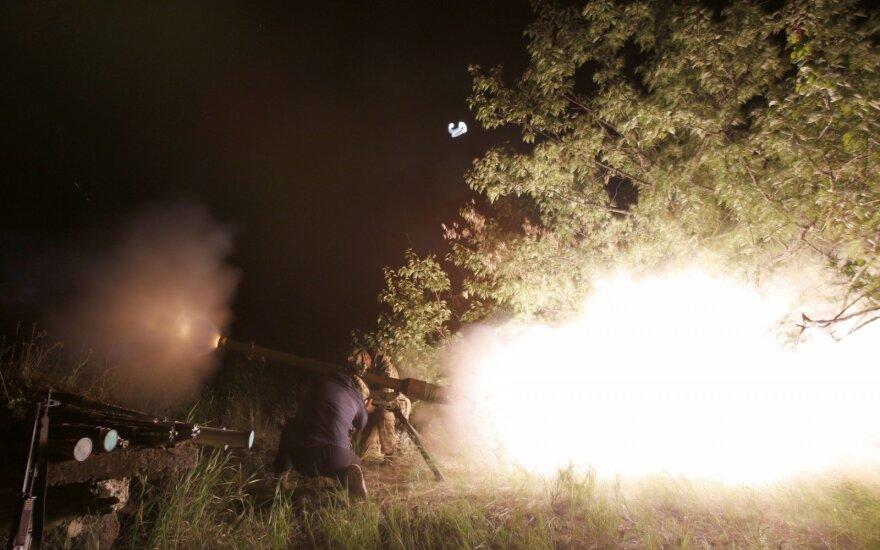 Rytų Ukrainoje nukauti keturi vyriausybės pajėgų kariai