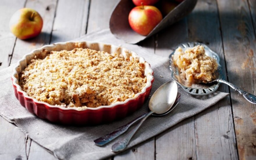 PYRAGŲ DIENAI: vaisinis riešutinis pyragas