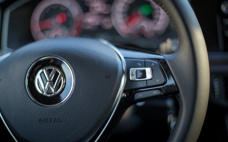 """""""Volkswagen"""" markės automobilių pardavimai 2017 m. buvo rekordiniai"""