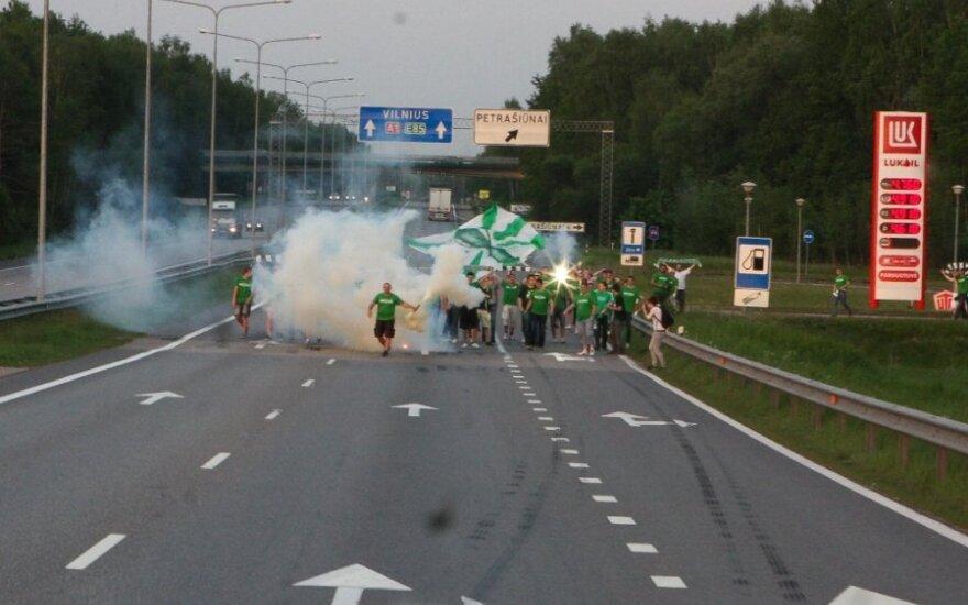 Žalgiriečiai pergalę LFF taurės turnyro finale šventė su gausiu būriu aistruolių