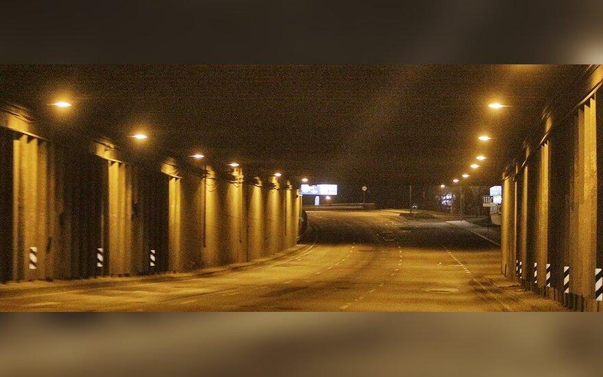 Stokholme darbininkas prasigręžė į veikiantį transporto tunelį