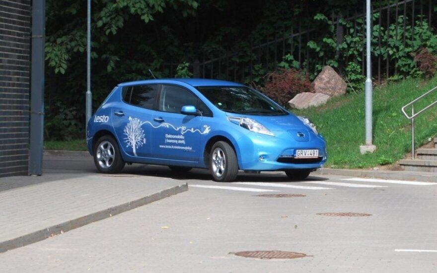 LESTO Nissan Leaf elektromobilis