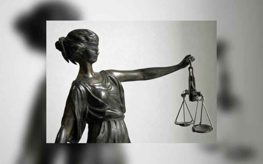 Valdžia stumia žmones į teismus