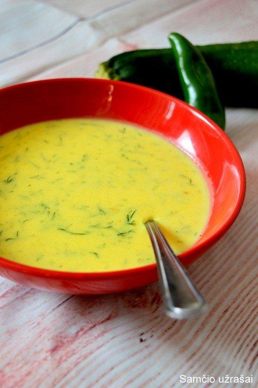GARDU IR SVEIKA: trinta bulvių ir cukinijų sriuba