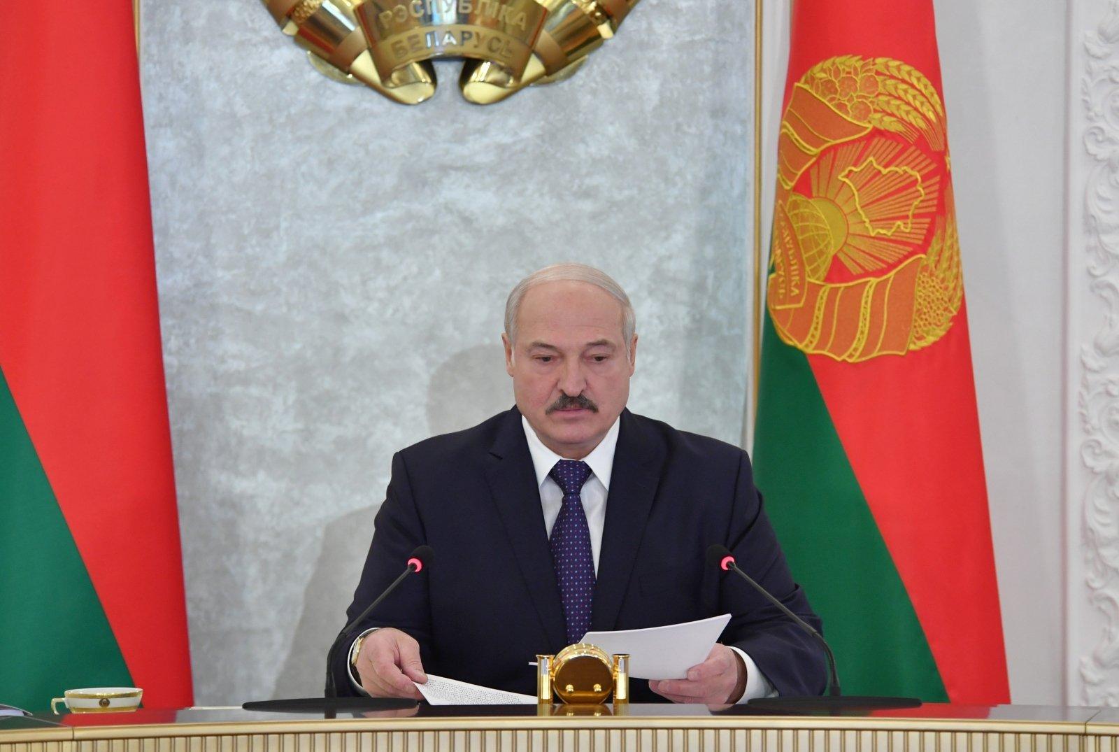 Лукашенко намерен сформировать новое правительство до выборов