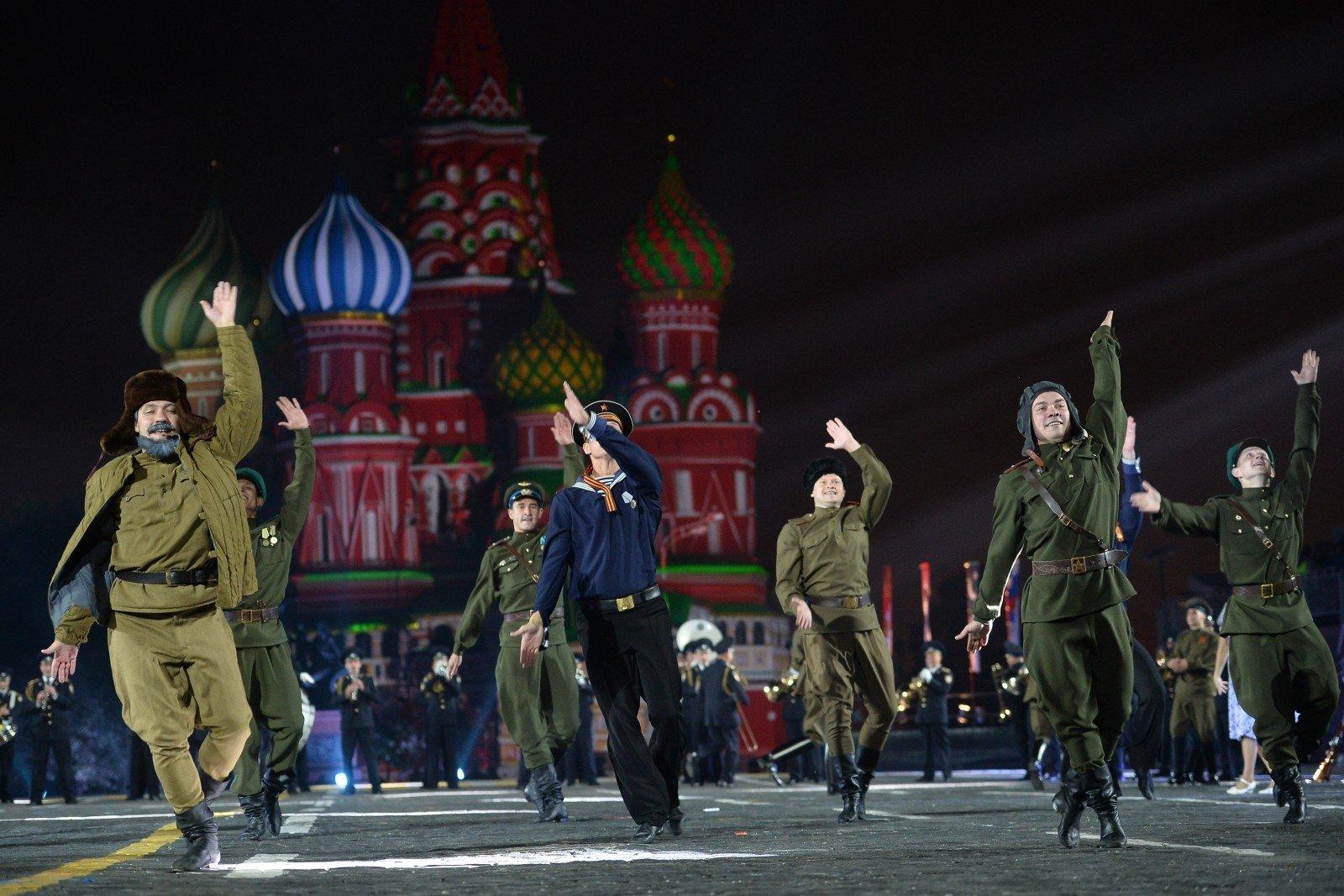 На «Евровидение-2017» от Российской Федерации посоветовали отправить Кобзона иансамбль Александрова