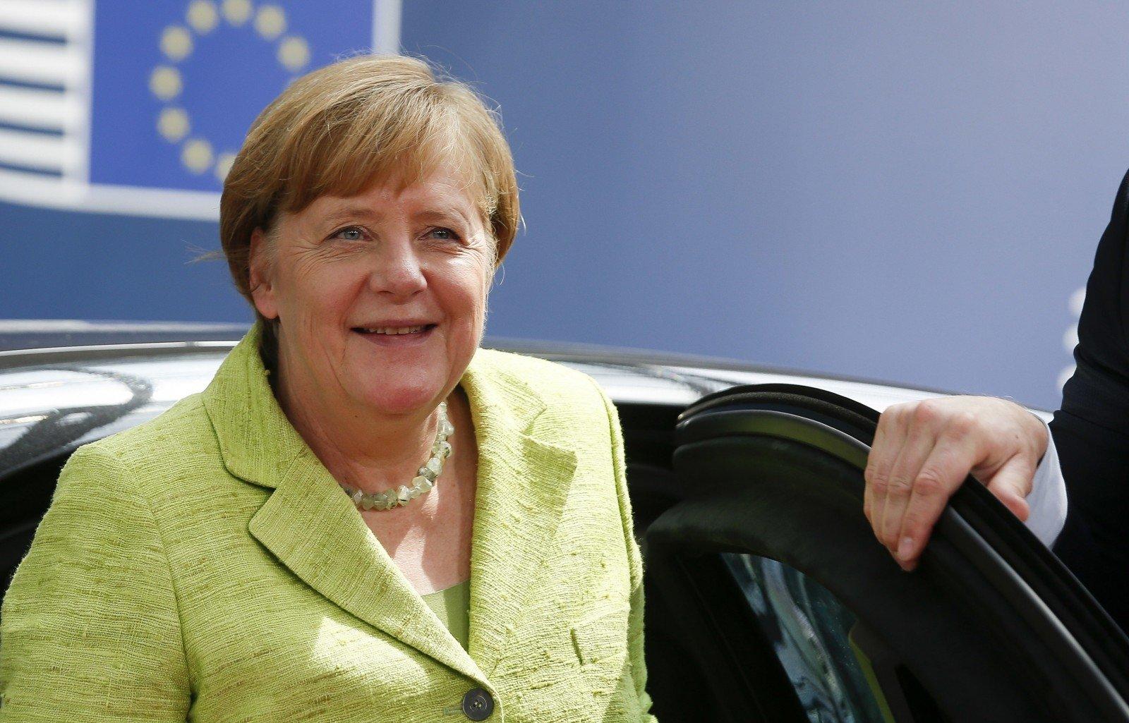 Рейтинг популярности Меркель упал до59% — Опрос