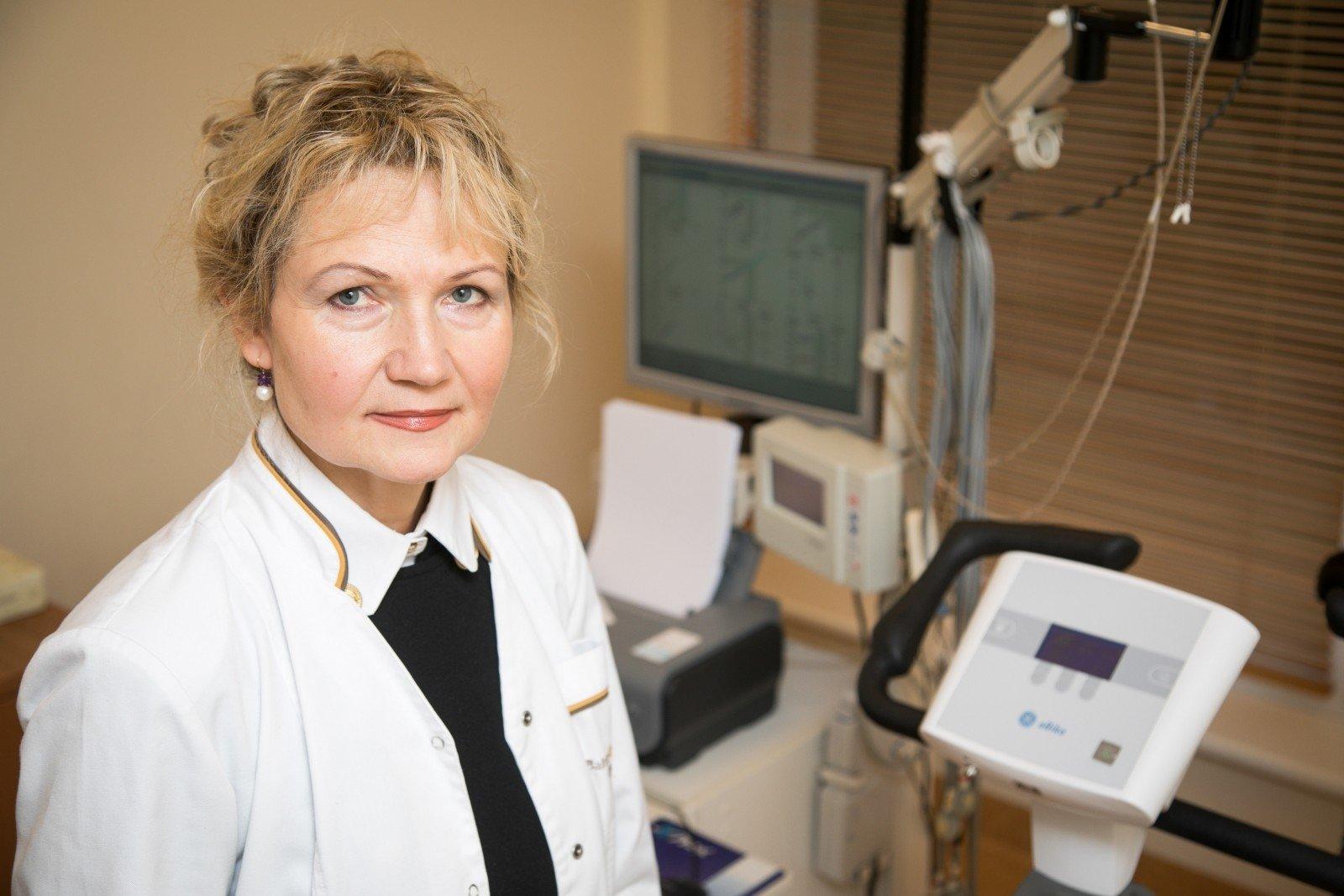 100 ligoninių ir sveikatos sistemų su puikiomis širdies programomis)