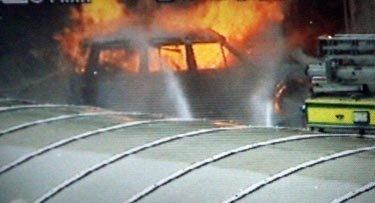 Automobilis Glazge įvažiavo į oro uosto pastatą