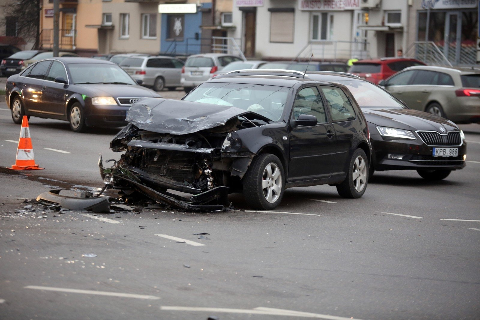 """Pričiupo """"gudragalvį"""": avariją padarė be draudimo, policijai"""