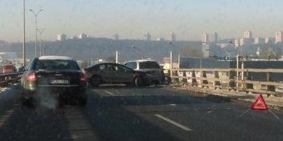 Sostinės Tūkstantmečio g. – avarija ant viaduko