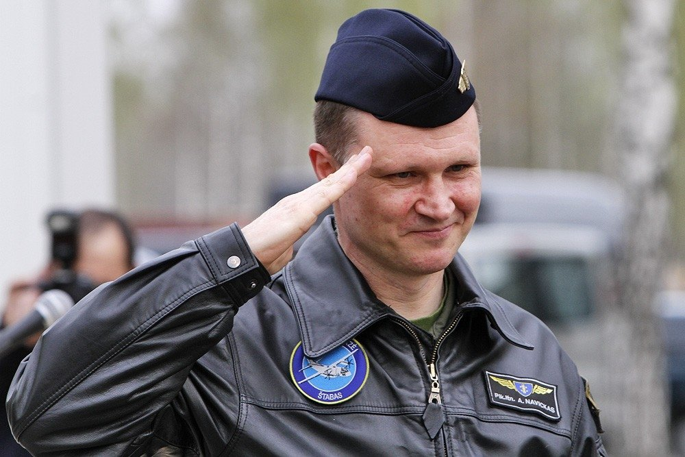 Прежний  главком ВВС Литвы уволен за«пророссийское» намерение