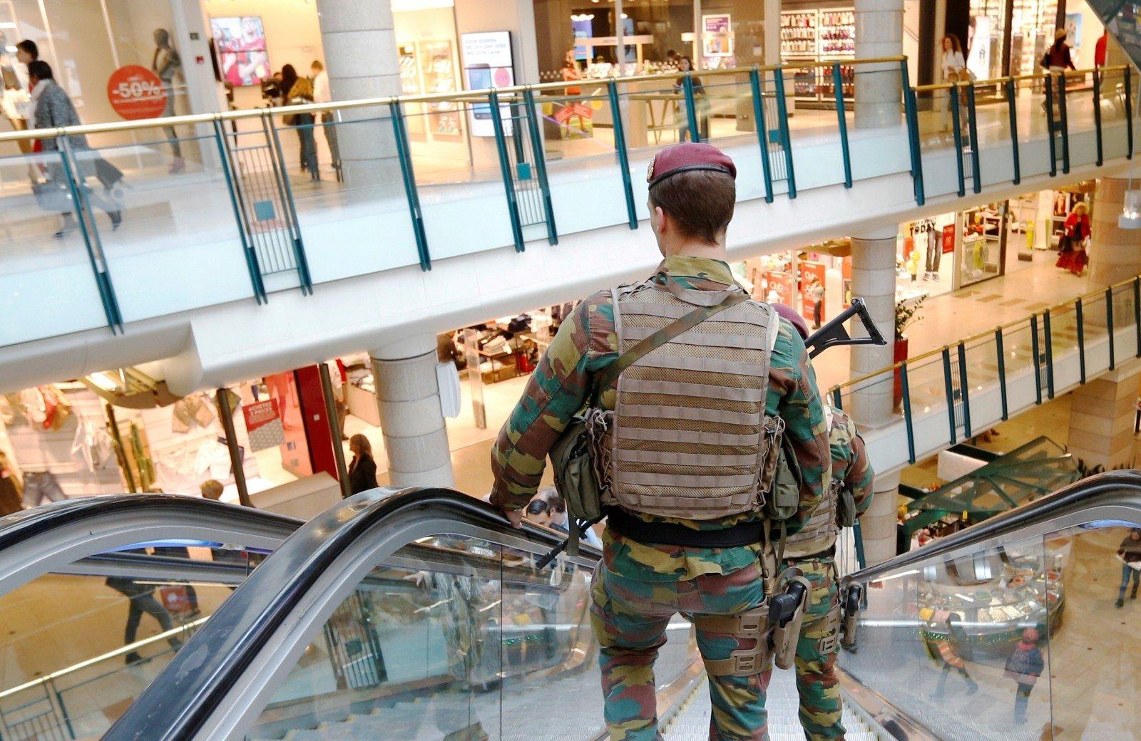 Из-за угрозы взрыва вБрюсселе эвакуировали торговый центр