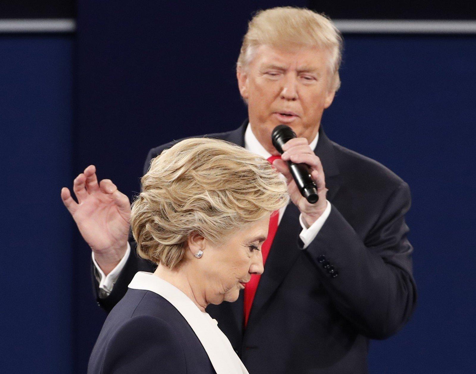 В социальная сеть Twitter появился аккаунт севшей наХиллари Клинтон мухи