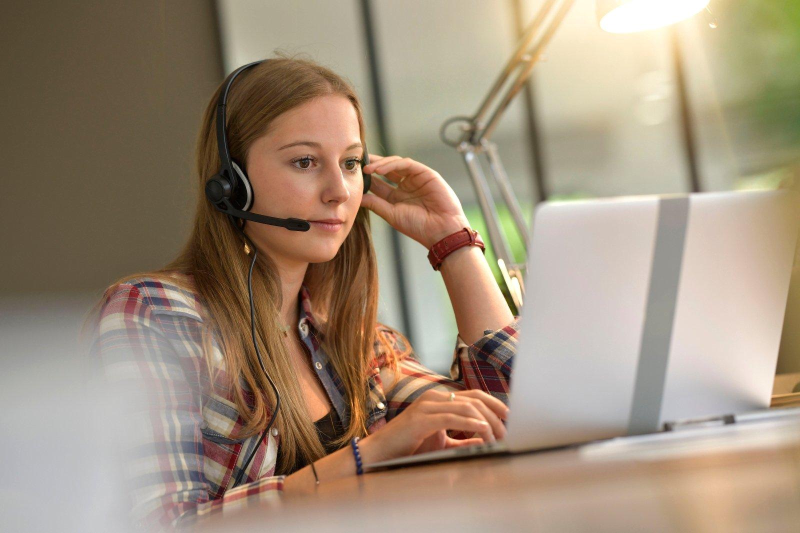 dirbti iš namų skambučių centro
