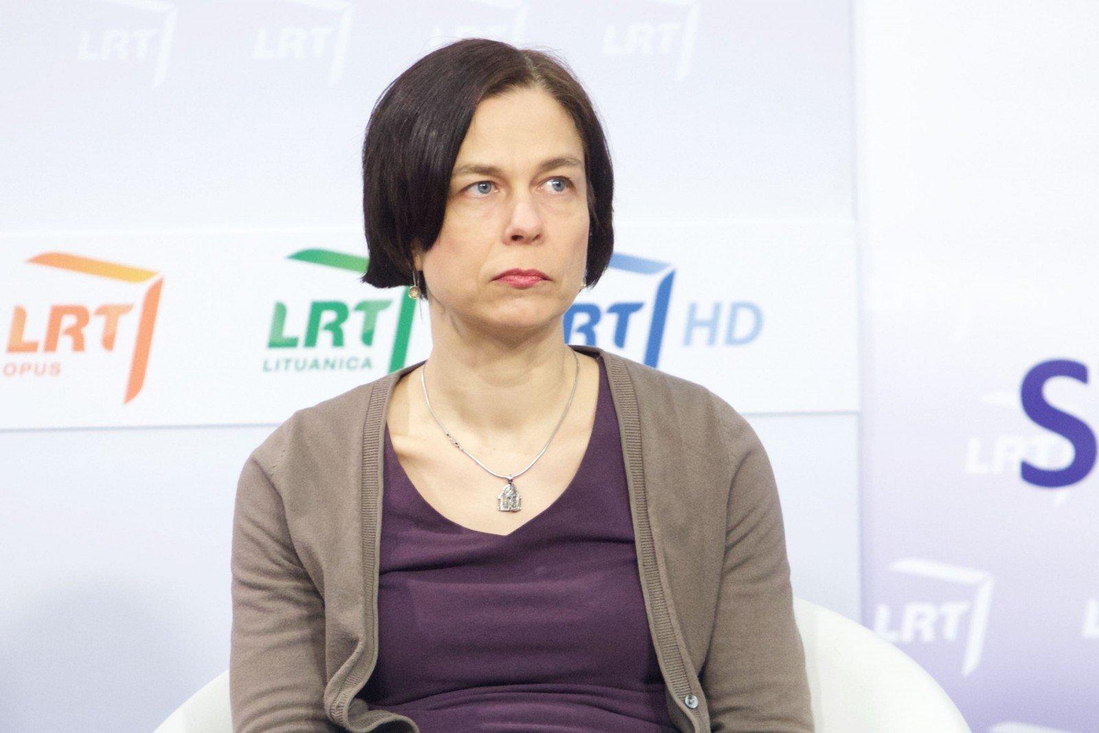 N. Putinaitė: sovietinei nomenklatūrai reikėjo uždrausti užimti ...